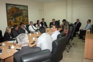 A reunião foi coordenada pelo conselheiro presidente Edilson de Sousa, que integra a comissão nacional do MMD-TC/Atricon