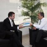 Jurista Jacoby Fernandes faz visita ao Tribunal de Contas
