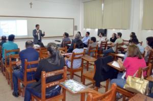 O conselheiro Benedito Alves, coordenador do Profaz, falou aos participantes dos workshops sobre legislação tributária