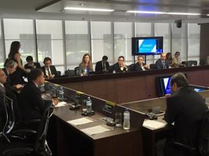 O conselheiro presidente do TCE-RO, Edilson de Sousa, durante o encontro promovido pelo TCU, IRB e OCDE
