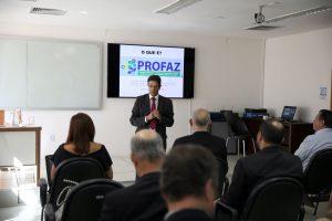 O conselheiro Benedito Alves, coordenador geral do Profaz, falou do objetivo do programa de permitir aos municípios aproveitar seu potencial tributário-arrecadatório