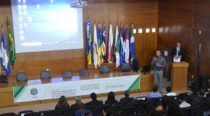 O conselheiro Wilber Coimbra, presidente da Escon e coordenador do seminário, realizou a abertura do evento