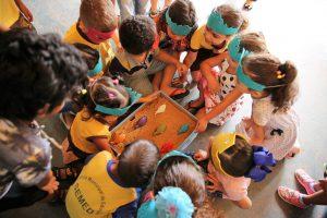 Os alunos da Escola Bob Esponja participaram de brincadeiras com a equipe do MPC