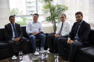 O senador eleito Marcos Rogério foi recepcionado pelos conselheiros Edilson de Sousa, Paulo Curi e Benedito Alves