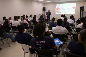 O conselheiro Wilber Coimbra ministrou a palestra para diretores e funcionários do Hospital de Amor da Amazônia