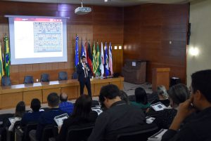 Todas as orientações e conhecimento do curso foram repassados pelo auditor federal de controle externo Rafael Jardim